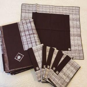 NWOT Anne Klein vintage tablecloth and 6 napkins